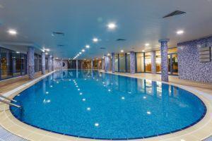 Хотели с вътрешен басейн 2